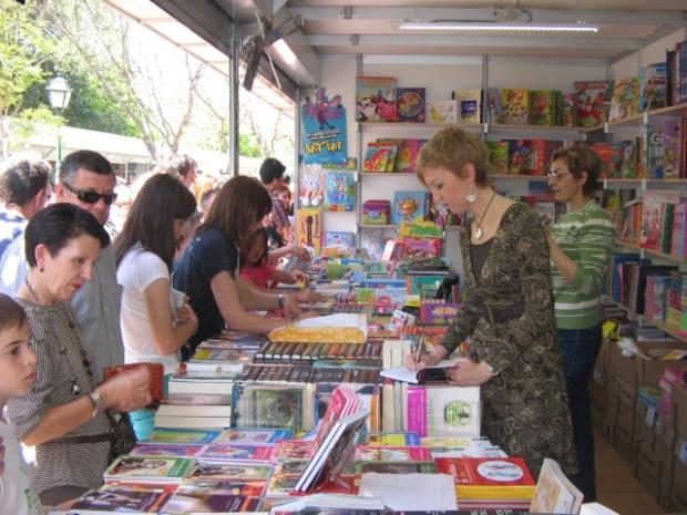 Feria libro Valencia 5 mayo 001