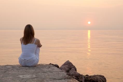 pensando junto al mar